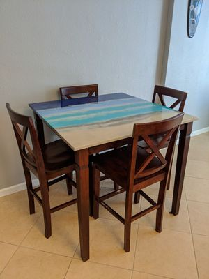 Pub style kitchen dining room table and chairs for Sale in Hollywood, FL