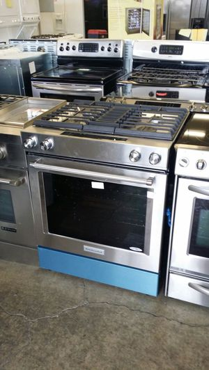 Kitchen aid duel fuel range with down draft for Sale in Beaverton, OR