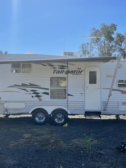 Tail Gater 2004 Toy Hauler for Sale in Upland,  CA