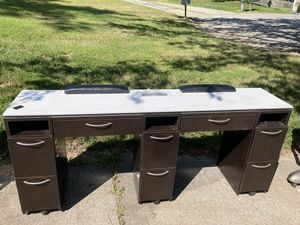 Ventilated nail station for Sale in Columbia, MO