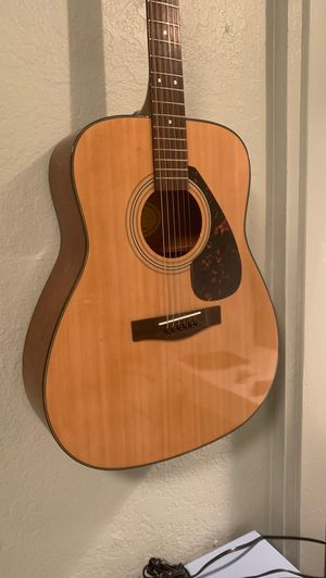 Yamaha Accoustic Guitar for Sale in Artesia, CA