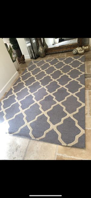 6x9 Wool Silver and Ivory Rug for Sale in Tustin, CA
