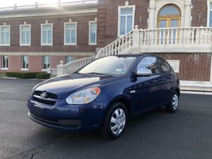 2011 HYUNDAI ACCENT ONLY 72K!!!! CLEAN TITLE!!! AUTO!! COLD AIR!! GOOD TIRES!! DRIVES GREAT!!! for Sale in Absecon, NJ