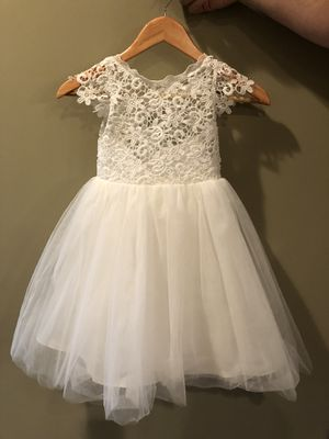 Gently worn flower girl dress for Sale in Lebanon, TN