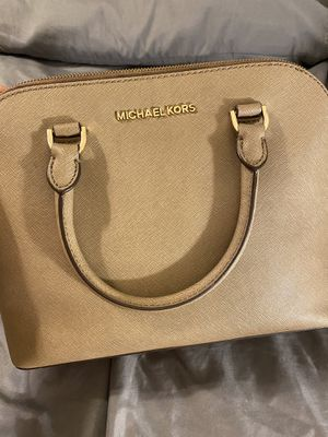 Michael kors purse for Sale in Fayetteville, NC