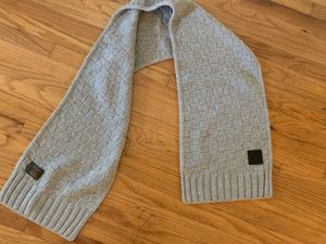 Louis Vuitton Knit Scarf for Sale in Windsor Hills, CA