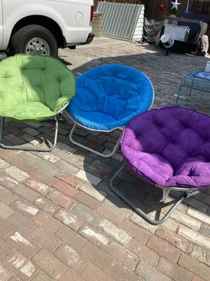 Saucer folding chair $7 each chair for Sale in Woodland, CA