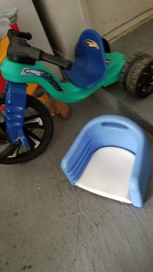 Adjustable booster seat for Sale in Houston, TX