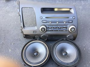 2006-2011 Honda Civic stereo/ with Bluetooth adapter and two front speakers for Sale in Garden Grove, CA