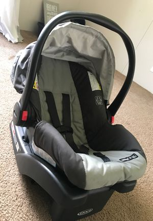 Car seat and base for Sale in Mobile, AL