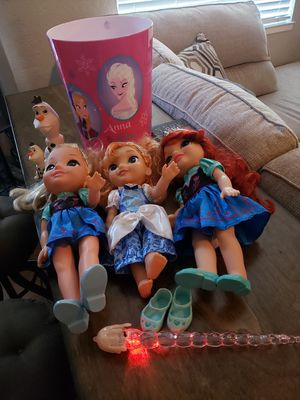 Frozen Elsa and Ana Dolls + more...$20 FIRM for Sale in Dinuba, CA