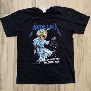 Metallica Rock band graphic t-shirt - Large for Sale for sale  Highland, CA