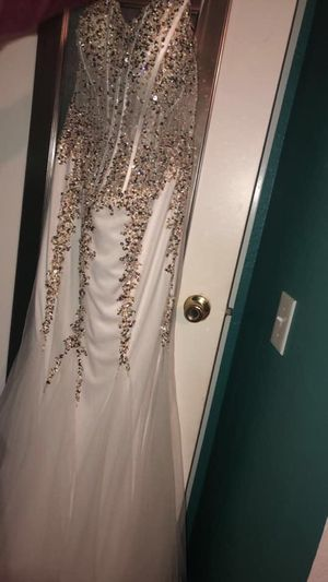 Champagne jeweled prom dress plus size 14-16 for Sale in San Jose, CA