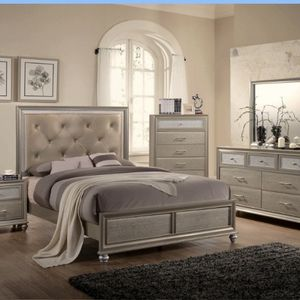 5 Piece Bedroom Set In Brand New Condition for Sale in Baltimore, MD