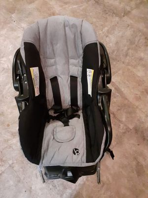 Baby Trend Car Seat and Base for Sale in Lakeland, FL