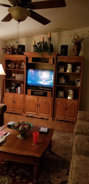 3 PC entertainment center for Sale in Pixley, CA