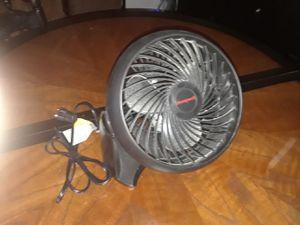 Honeywell 9 inch fan for Sale in Farmville, VA