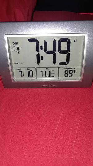 Digital alarm clock for Sale in Shafter, CA
