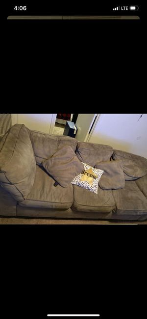 Sectional couch for FREE..!! Must go today..!! for Sale in Stockton, CA