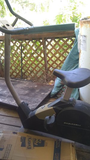 Free excersize bike for Sale in Lytle, TX