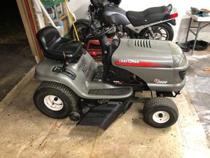 Craftsman lt2000 lawn tractor for Sale in South Lyon, MI