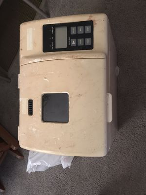 Oster bread maker for Sale in Woodlake, CA
