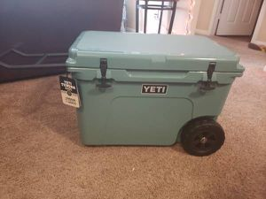 YETI TUNDRA HAUL COOLER WITH WHEELS **NEW** for Sale in Fort Stockton, TX