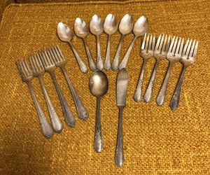Vintage Wm A. Rogers A1 Plus Oneida Ltd SilverWare for Sale in Mount Vernon, WA