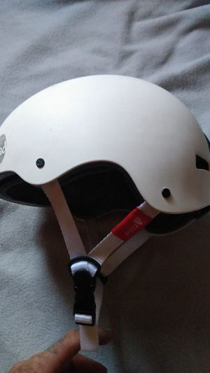 RED TRACE II 525 GRAM NON MOTORIZED RECREATIONAL SAFETY HELMET for Sale in Lincoln, NE