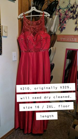 Moda Bella Boutique | Prom & Quinceañera Dress - Red Winter Formal, Size 16, Offers Accepted for Sale in Vancouver, WA