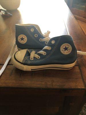 Size 5 converse for Sale in Martinez, CA