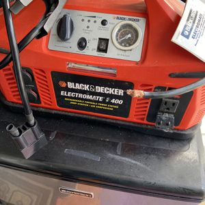 Black And Decker Elecromate 400 Air Compressor $90.00 for Sale in Clementon, NJ