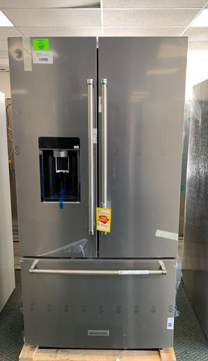 New KitchenAid refrigerator!! KRFC704FPS comes with Warranty Y for Sale in Paramount, CA