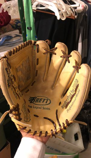 George Brett Pro Legend Series baseball glove for Sale in CA, US