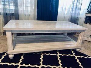 "ASHLEY Furniture ""Cloudhurst"" coffee table for Sale in Neodesha, KS"
