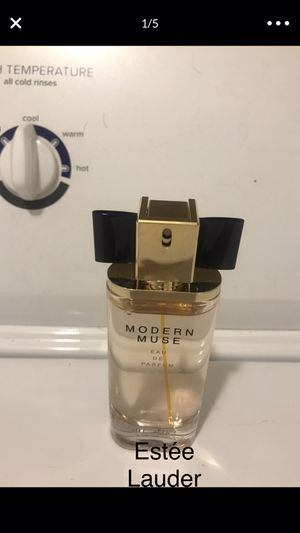 $100 Retail Value Estée Lauder Modern Muse Perfume for Sale in Springfield, MO