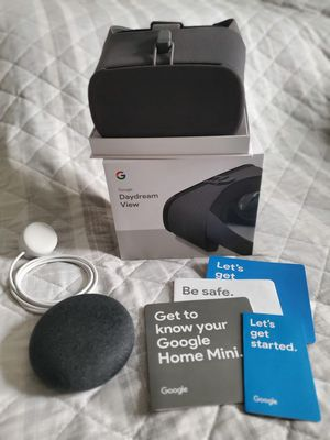 Google Daydream View VR Set/ Home Mini Bundle for Sale in Las Vegas, NV