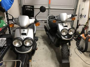 Yamaha zuma 50cc street legal tags up to date pink in hand for Sale in Fontana, CA