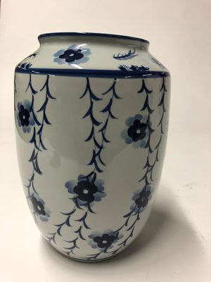 Classic blue and white Chinese porcelain vase for Sale in Harrisburg, NC