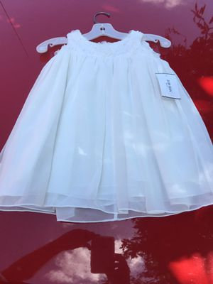 New size 2T - David's Bridal flower girl dress for Sale in Selma, NC