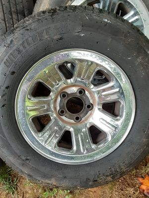Tires with chrome rims for Sale in Pickens, SC