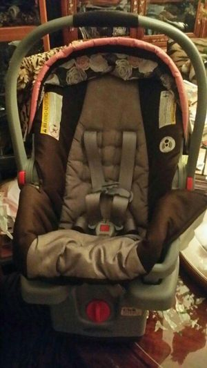 Baby car seat and carrier. (Graco) for Sale in Haddon Township, NJ