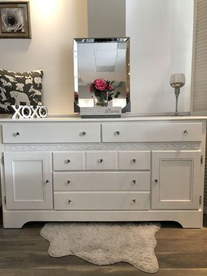 Dresser for Sale in Freehold, NJ