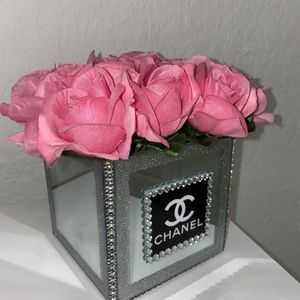 Fashion Flower Vase Home Decor for Sale in Opa-locka, FL