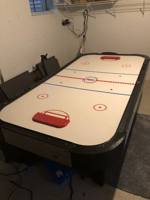 Air hockey table in working condition for Sale in Bolingbrook, IL
