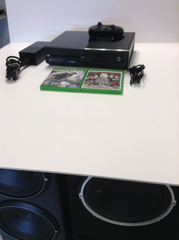 Xbox one with one controller and two games
