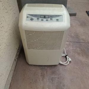 Dehumidifier, Maytag, 45 Pint, for Sale in Encinitas, CA