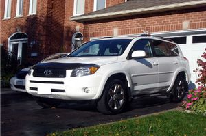 White toyota 2006 rav4 for Sale in Alexandria, VA