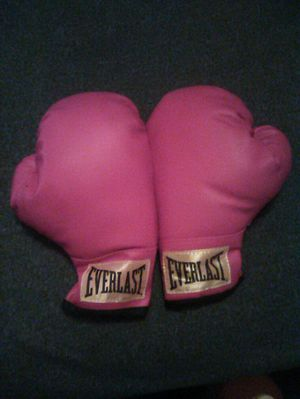 YOUTH BOXING GLOVES for Sale in Raleigh, NC