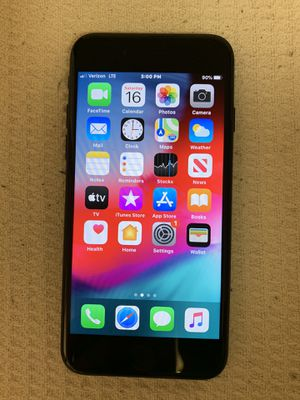 iPhone 7 (32g) unlock for any carrier (only 5 months old) for Sale in Las Vegas, NV